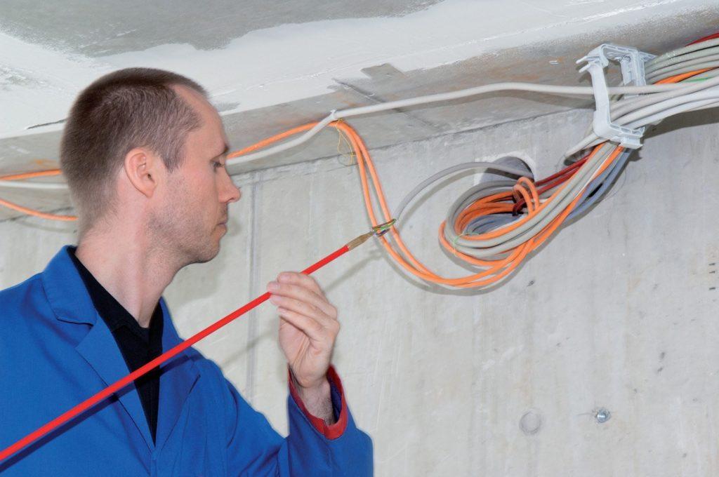 Замена кабеля в подъезде